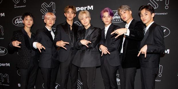 Hậu tranh cãi về SuperM, Billboard áp dụng luật mới liên quan đến việc kích cầu doanh số album, liệu BTS và sao US-UK có gặp bất lợi? - Ảnh 1.