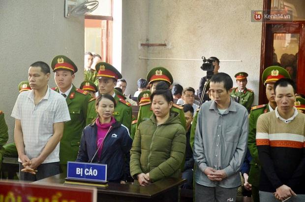 Kết thúc phiên xử buổi sáng vụ mẹ nữ sinh giao gà cùng đồng phạm: Vì Thị Thu phản cung, bà Hiền nói mình bị oan - Ảnh 23.