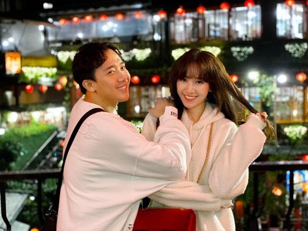 Tình bể tình như Trấn Thành và Hari Won: Đi Đài Loan cùng hội bạn thân vẫn không quên chụp hình lãng mạn như quay MV - Ảnh 4.