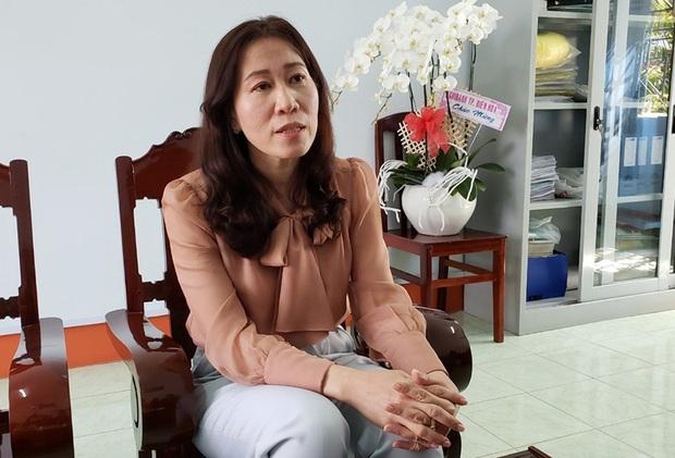 Vụ ô tô đưa đón làm rơi 3 em học sinh ở Đồng Nai: Cô giáo tự thuê xe đưa học sinh về dạy thêm, cửa bung là do các em đùa nghịch? - Ảnh 2.