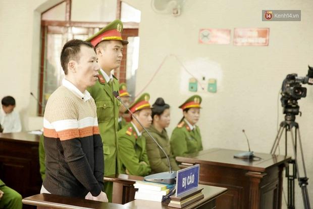 Kết thúc phiên xử buổi sáng vụ mẹ nữ sinh giao gà cùng đồng phạm: Vì Thị Thu phản cung, bà Hiền nói mình bị oan - Ảnh 28.