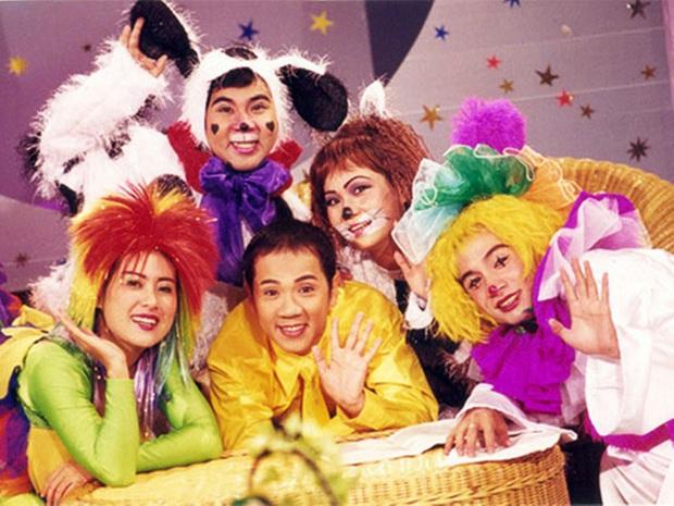 Bức ảnh đang hot nhất mạng xã hội: Nhóm Líu Lo tề tựu sau 19 năm ra mắt trên show truyền hình! - Ảnh 1.