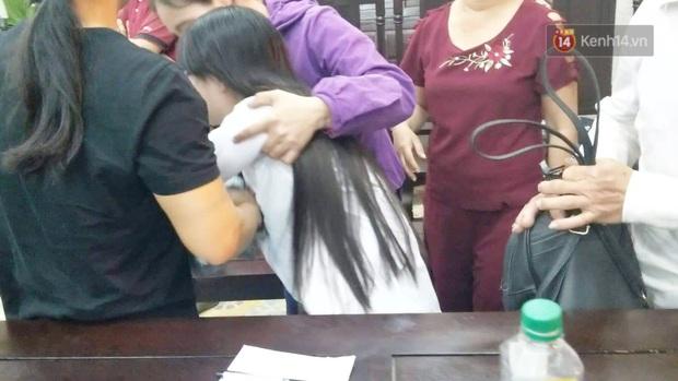 Chị gái nữ sinh giao gà gục khóc nức nở tại tòa sau khi mẹ bị tuyên án 20 năm tù - Ảnh 5.