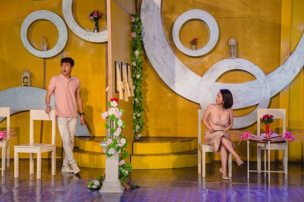 Thu Trang khéo léo khoe vòng 1 gợi cảm, vóc dáng tươi trẻ bên Ngô Kiến Huy - Ảnh 1.