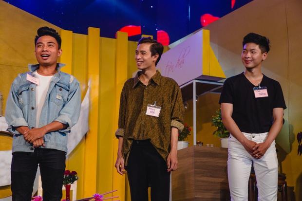 Thu Trang khéo léo khoe vòng 1 gợi cảm, vóc dáng tươi trẻ bên Ngô Kiến Huy - Ảnh 4.