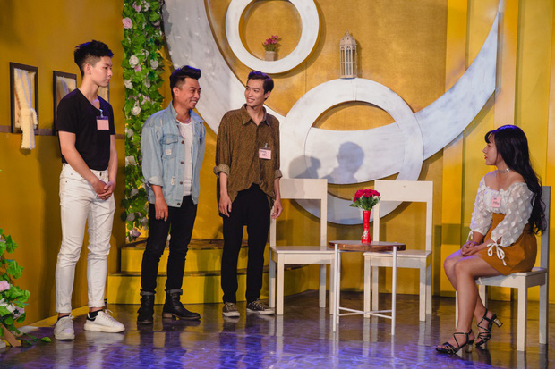 Thu Trang khéo léo khoe vòng 1 gợi cảm, vóc dáng tươi trẻ bên Ngô Kiến Huy - Ảnh 5.