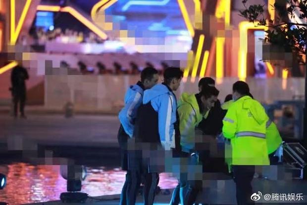 Nghi van Cao Di Tuong dot tu khi dang quay show