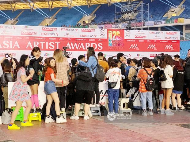 Góc khuất lễ trao giải tầm cỡ quy tụ 100 sao AAA 2019: 1001 phốt, BTC Hàn-Việt đổ lỗi lẫn nhau và chỉ có fan chịu thiệt - Ảnh 10.