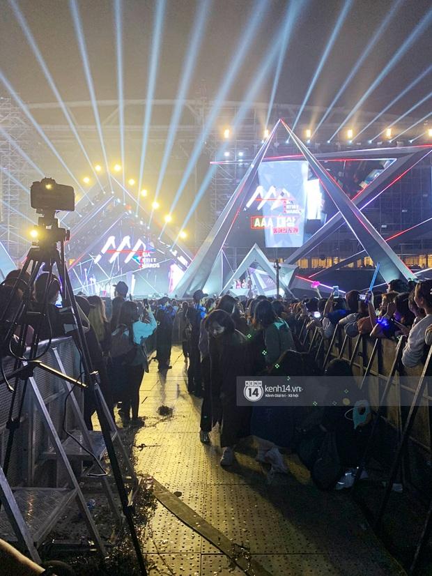 Góc khuất lễ trao giải tầm cỡ quy tụ 100 sao AAA 2019: 1001 phốt, BTC Hàn-Việt đổ lỗi lẫn nhau và chỉ có fan chịu thiệt - Ảnh 18.