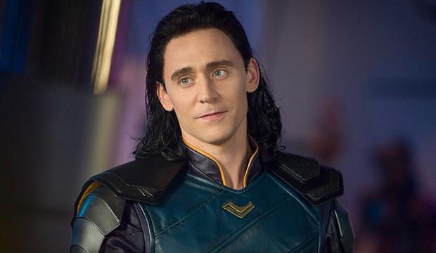 Lộ clip Loki Tom Hiddleston thử vai Thor: Anh trông đô con, vung búa chuẩn không kém hàng thật, nhưng nhan sắc thì quá ba chấm! - Ảnh 4.