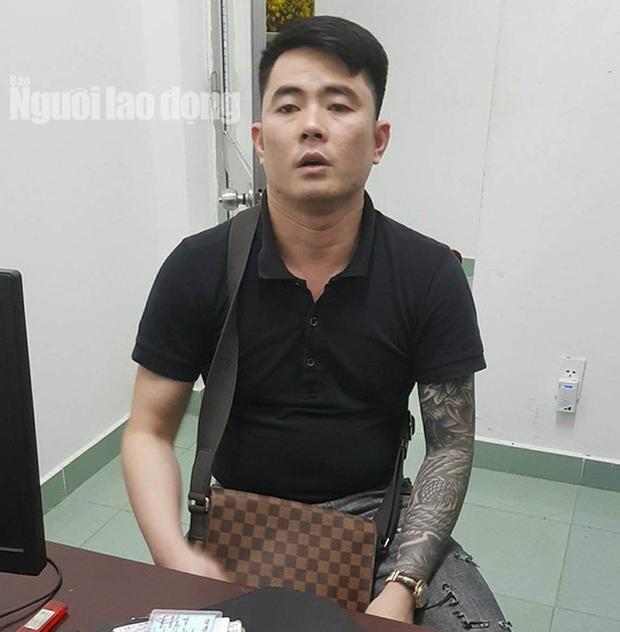 Gã đàn ông 33 tuổi vào khách sạn trộm xe Lexus của người tình cũ 41 tuổi - Ảnh 2.