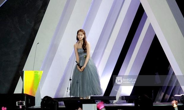 Kết thúc AAA 2019 bỗng giật mình: Không ai khác, Bích Phương chính là nghệ sĩ đứng chung sân khấu với nhiều sao Kpop nhất Việt Nam - Ảnh 6.