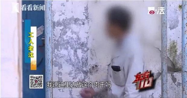 Đến nhà dọn dẹp, anh công nhân phát hiện thi thể không nguyên vẹn trong hộp nhựa khiến hành vi tàn độc của chủ nhà cũ bị vạch trần - Ảnh 1.