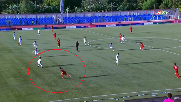 Fan Việt mừng hụt với bàn thắng bị tước của Đoàn Văn Hậu: Hóa ra trọng tài có vấn đề quang học, không phải một mà những hai lần - Ảnh 2.