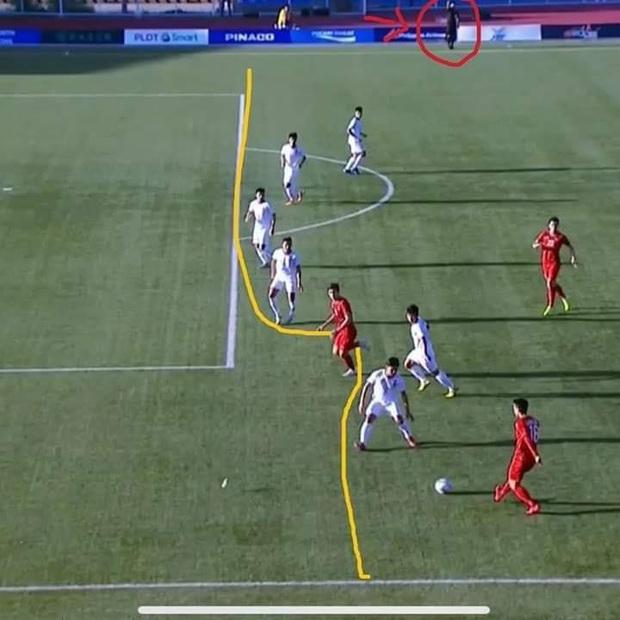 Fan Việt mừng hụt với bàn thắng bị tước của Đoàn Văn Hậu: Hóa ra trọng tài có vấn đề quang học, không phải một mà những hai lần - Ảnh 3.