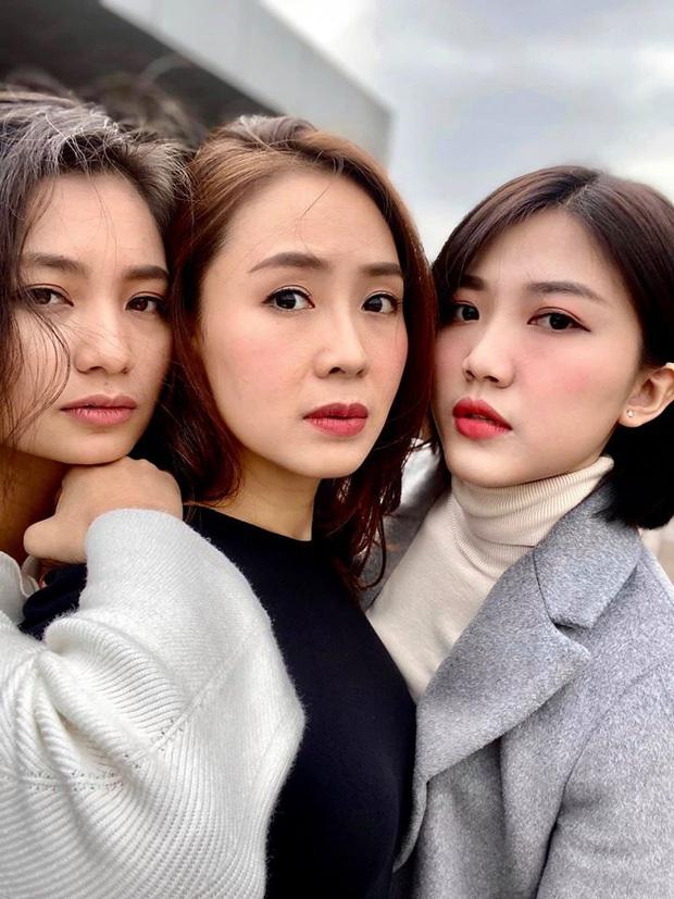 3 nữ chính Hoa hồng trên ngực trái gây sốt vì hội ngộ: Nhan sắc thế này, ai ngờ hơn kém nhau cả chục tuổi? - Ảnh 1.
