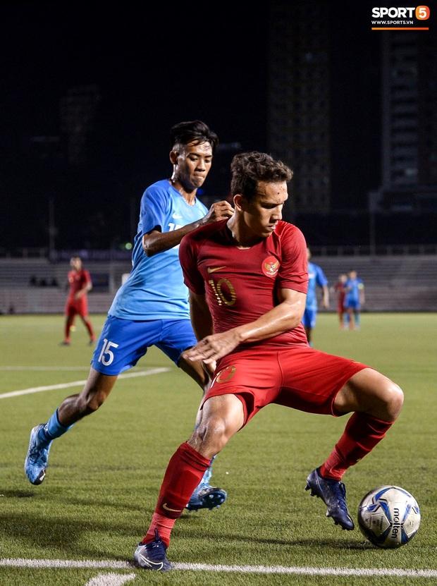 Vụ ẩu đả trên sân bóng đầu tiên tại SEA Games 2019: Sao U22 Indonesia đòi ăn thua đủ sau khi bị đánh nguội 2 lần liên tiếp - Ảnh 4.