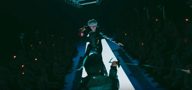 Rùng mình với loạt thuyết âm mưu trong MV mới của EXO: Kẻ thù mà EXO đang phải chiến đấu chính là nỗi ám ảnh đến từ antifan? - Ảnh 7.