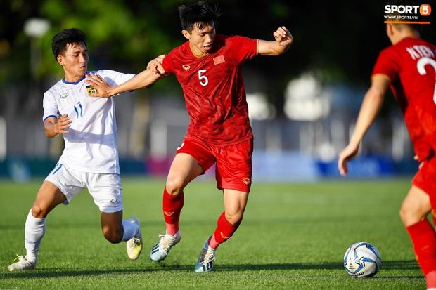 Fan Việt mừng hụt với bàn thắng bị tước của Đoàn Văn Hậu: Hóa ra trọng tài có vấn đề quang học, không phải một mà những hai lần - Ảnh 5.