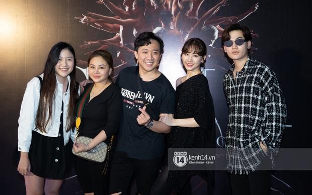 Vừa về nước sau chuyến du lịch Đài Loan, vợ chồng Trấn Thành và hội bạn thân lại tụ họp đi sự kiện chung - Ảnh 1.