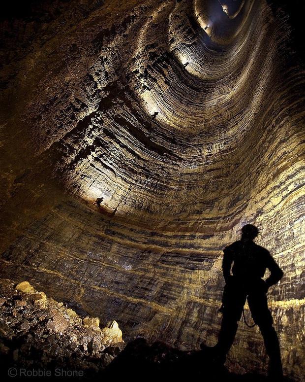 12 hố sâu bí ẩn bậc nhất hành tinh: Hun hút như cổng đến địa ngục, gây choáng ngợp với bất cứ ai tận mắt chứng kiến - Ảnh 9.