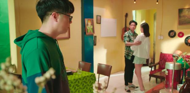 Có tới 2 Bùi Anh Tuấn song sinh trong MV mới: Cuộc đời đối lập có cái kết bất ngờ, và lại là nhạc ballad do Vương Anh Tú chắp bút - Ảnh 3.