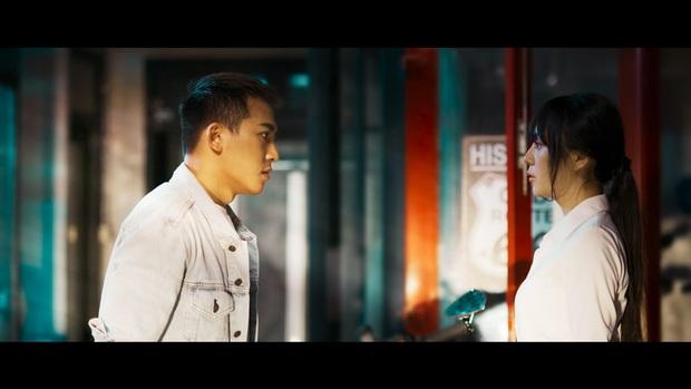 Châu Khải Phong hợp tác với Chu Bin làm MV tiền tỷ, nhưng lại đánh nhau bầm dập vì mỹ nhân từng khiến Noo Phước Thịnh cạo đầu - Ảnh 4.