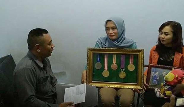 Thực hư chuyện nữ VĐV Indonesia bị loại khỏi đội hình dự SEA Games vì mất cái ngàn vàng - Ảnh 1.