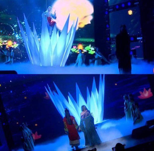 Shock: Nguyễn Trần Trung Quân khóa chặt môi Denis Đặng trên sân khấu, vẽ nên cái kết khác cho Tự Tâm? - Ảnh 1.