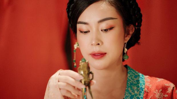Không ngờ chị gái Denis Đặng cũng xuất hiện trong Tự Tâm, xem loạt ảnh Instagram mới thấy nhan sắc chẳng kém em trai - Ảnh 2.