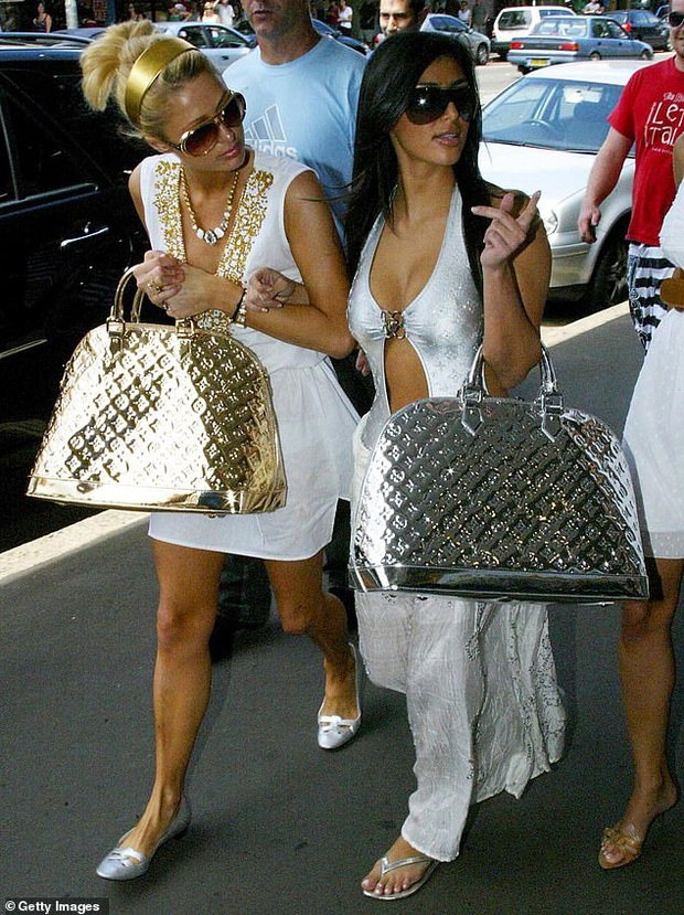 """Kim Kardashian: Cô hầu gái của Paris Hilton mặc đồ chùa ngày nào giờ đã thành bà hoàng đế chế """"xâm chiếm"""" Hollywood - Ảnh 1."""