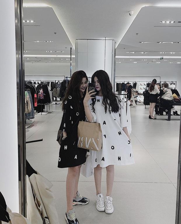 Lùng info cặp sinh đôi 2000 mới nổi trên Instagram: Cùng tên, xinh đẹp và lắm khi khiến người đối diện bị lú vì quá giống nhau - Ảnh 5.