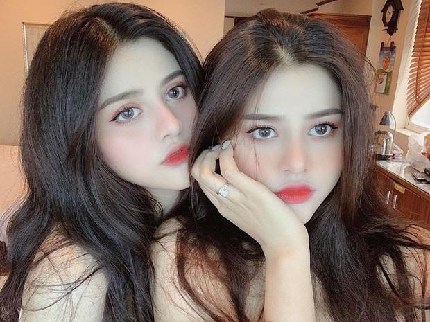 Lùng info cặp sinh đôi 2000 mới nổi trên Instagram: Cùng tên, xinh đẹp và lắm khi khiến người đối diện bị lú vì quá giống nhau - Ảnh 1.