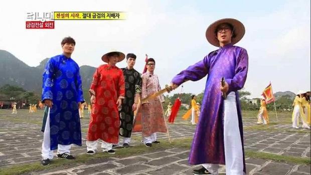 Dàn sao Running Man Hàn Quốc mà diện áo dài thì cũng đẹp đâu thua kém ai! - Ảnh 14.