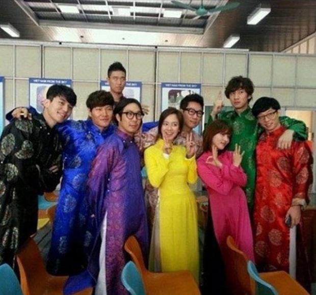Dàn sao Running Man Hàn Quốc mà diện áo dài thì cũng đẹp đâu thua kém ai! - Ảnh 2.