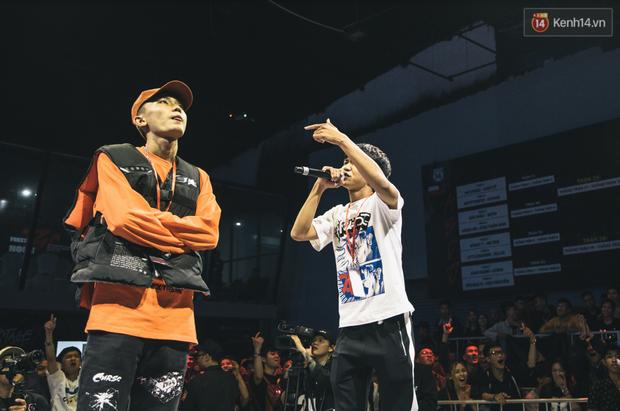 Xem ngay những màn battle rap gay cấn nhất tại vòng Knock-Out của BeckStage: Các đấu thủ để lại những cơn dư chấn khiến striver không thể ngồi yên! - Ảnh 21.