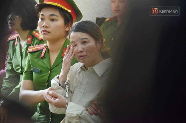 Bố nữ sinh giao ở Điện Biên lần đầu tiên vào trại giam thăm vợ sau bản án sơ thẩm 20 năm tù - Ảnh 1.