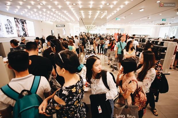 Khách hàng giận tím người với chiêu trò thổi giá lên cao rồi giảm sốc 50% - 70% dịp Black Friday ở Việt Nam - Ảnh 1.