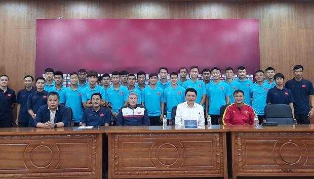 Đang thi đấu SEA Games, Đức Chinh, Quang Hải vẫn tranh thủ đi sắm đồ nhân ngày Black Friday - Ảnh 8.