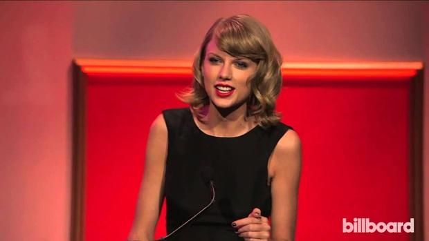 """""""Thánh tiên tri"""" Taylor Swift: Năm 2014 buông mồm nói 1 câu mà đoán trúng phóc Billie Eilish sẽ giành giải thưởng Người Phụ Nữ Của Năm? - Ảnh 1."""