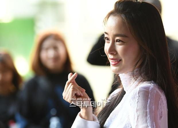 Kim Tae Hee lần đầu chính thức lộ diện sau khi lâm bồn: Lộ khuyết điểm nhưng vẫn được tung hô mẹ 2 con đẹp nhất châu Á - Ảnh 5.