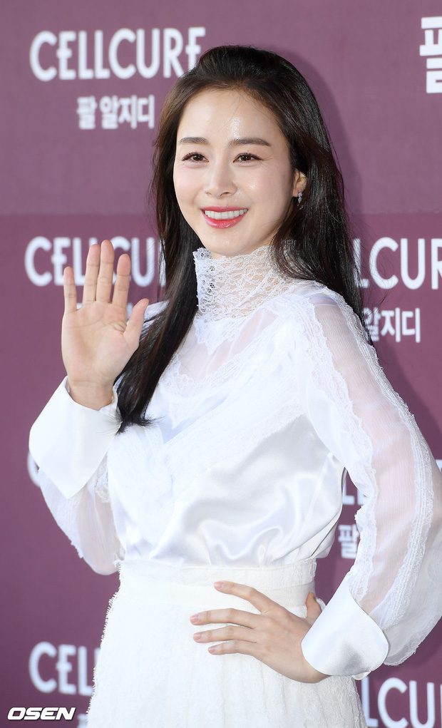 Kim Tae Hee lần đầu chính thức lộ diện sau khi lâm bồn: Lộ khuyết điểm nhưng vẫn được tung hô mẹ 2 con đẹp nhất châu Á - Ảnh 3.