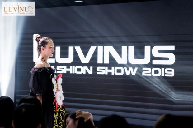 """LUVINUS FASHION SHOW 2019: """"Mãn nhãn"""" với bài tốt nghiệp của học viên Luvinus - Trung tâm đào tạo cắt may thời trang chuyên nghiệp - Ảnh 1."""