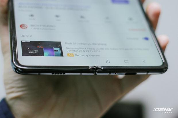 Mở hộp Galaxy Fold chính hãng: Giá 50 triệu đồng vẫn cháy hàng chỉ sau 6 giờ mở bán - Ảnh 10.