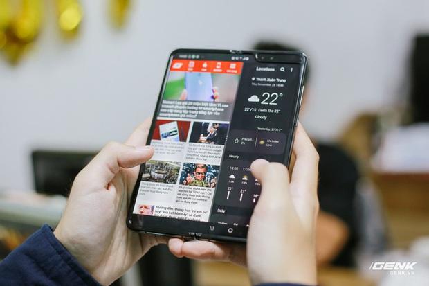 Mở hộp Galaxy Fold chính hãng: Giá 50 triệu đồng vẫn cháy hàng chỉ sau 6 giờ mở bán - Ảnh 14.