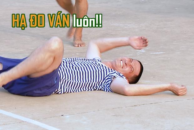 Sao nhập ngũ: Huy Khánh nằm lăn quay khi bị Anh Đức phát một quả bóng trúng đầu - Ảnh 4.