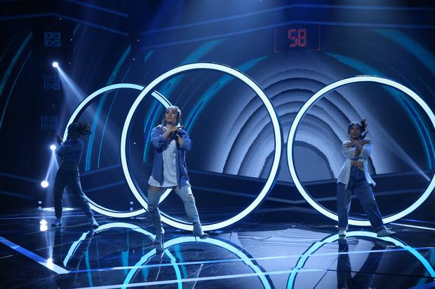 100 giây rực rỡ: Mỹ nhân đóng MV của Đen Vâu bất ngờ khoe giọng hát - Ảnh 4.