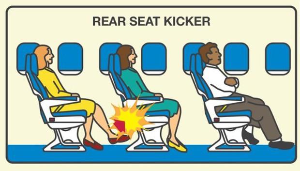 """Những hành động """"tra tấn"""" người khác khi đi máy bay, ai gặp phải thì đúng là cực hình! - Ảnh 1."""