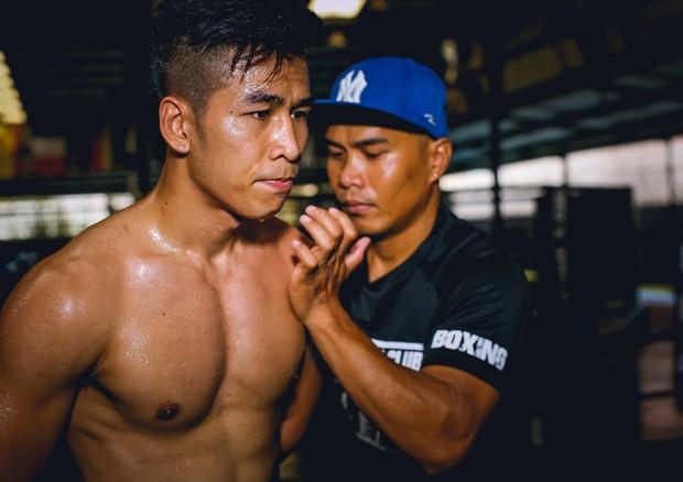 Trở lại sau chấn thương, nhà vô địch WBC Trần Văn Thảo làm rạng danh boxing Việt bằng chiến thắng trước đối thủ cực mạnh người Philippines - Ảnh 3.