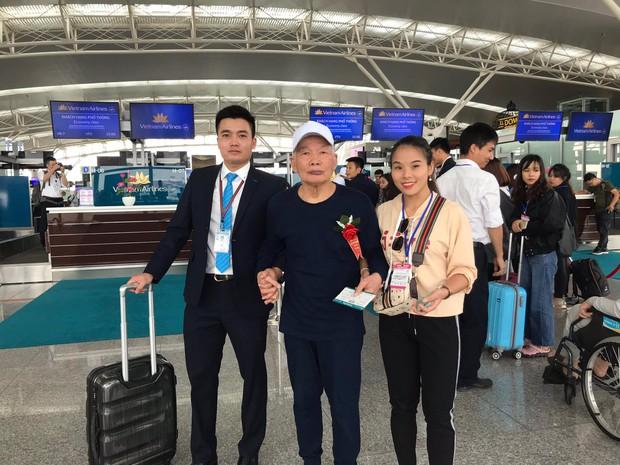 Đề xuất xin máy bay bỏ hoang 12 năm ở Nội Bài bị từ chối, các cụ ở viện dưỡng lão vẫn có được chuyến bay đặc biệt nhất đời mình - Ảnh 3.